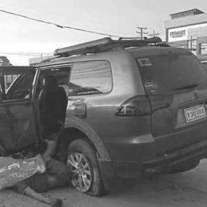 タクロン市の多重事故で6人が死亡