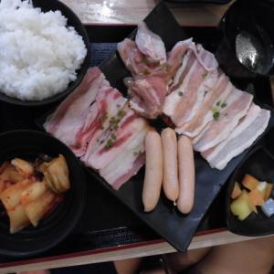 フィリピンで食べる、焼き肉と石焼きビビンバ