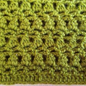 今日の編み物はアフガン編みのポーチ