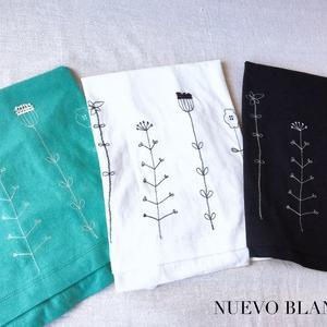 NUEVO BLANCA草原刺繍Tシャツ入荷しました