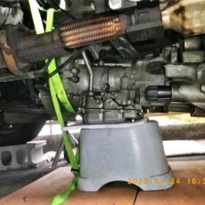 S110Vハイゼット4WDバン ATミッション降ろし7日目 笑うしかないオイルシールの交換終了。