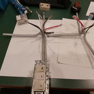 安くてお得!! 職業訓練校の電気工事士実技講習会