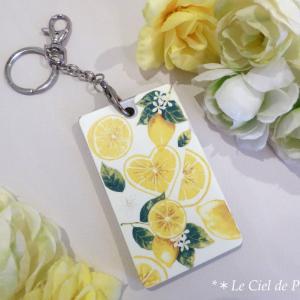 **ファッション業界でも大人気のレモン柄で...♪華やか可愛いICカードホルダー作品♥♡♥**