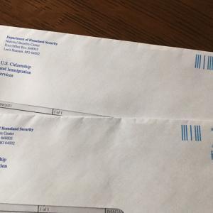 USCISから郵便が届く。