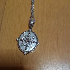 メルカリで、ネックレスも売れました!