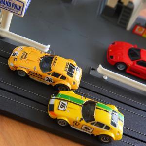 日本の納屋で発見された世界に1台のフェラーリ・デイトナ。うちには2台あるもんね〜HOスロットカー