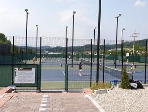 京義道 楊平郡 砥平面でテニスとバーベキュー
