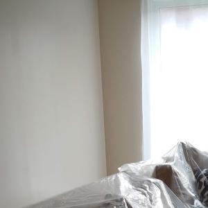 リビングルームのペンキ塗り