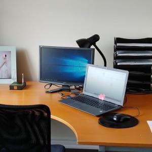 在宅勤務の新しいオフィス設置