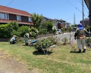 多賀城公園シルバーセンターが町内の緑道清掃