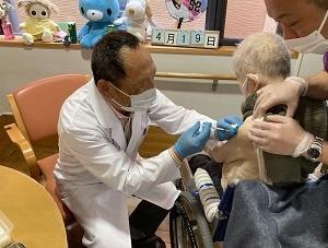 高齢者施設ではコロナワクチン接種が始まりました