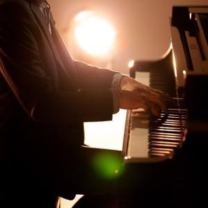 ユチョン年末オケコンチケットまだ購入可能!「このピアニストはだれ?」