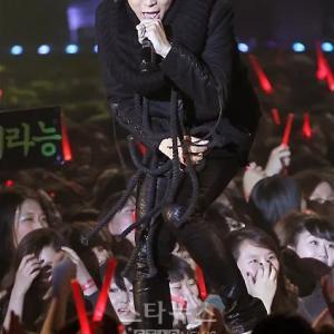 2010年10月12日JYJ、ソウルショーケースからスタート