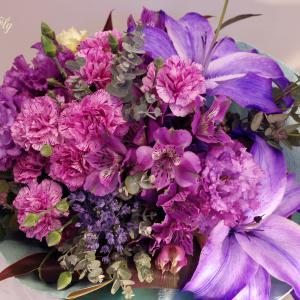 2020年母の日限定FlowerGIFT⇒紫のユリ