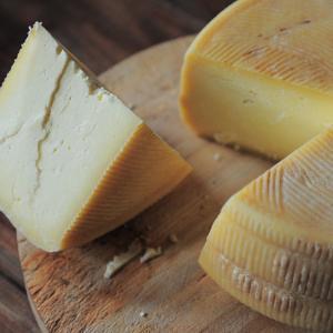 フランスのチーズの上手な切り方。