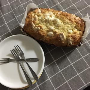 おやつ作り(ホワイトチョコのパウンドケーキ&バナナチョコ)