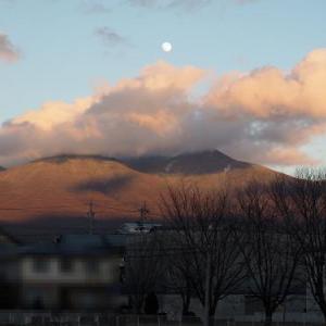八ヶ岳と満月 2020年ありがとうございました!