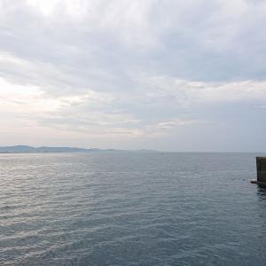 米神堤防で海釣りを楽しむ メジナ・メバルが釣れた