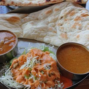 インド食堂 マハトマ 国道129号店 チキンカレーと野菜カレーのランチ