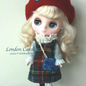 Junie Moon 『 London Carol 展』