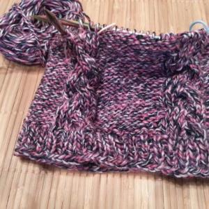 編み編み中①ニット帽