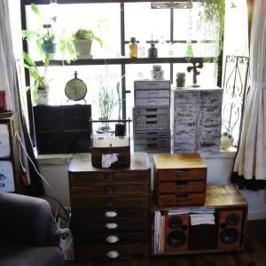 出窓付近の雰囲気を変えたい+手作り家具です♪