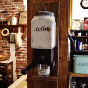 手作りの壁掛けコーヒーグラインダー出来ました♪