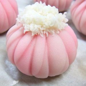 重陽の節句 着せ綿(練り切り製)  秋の上生菓子