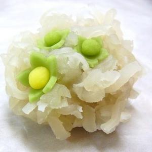 ふきのとう(きんとん)  春の上生菓子