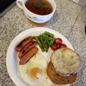 家ごはん:紙皿Breakfastと、在宅勤務