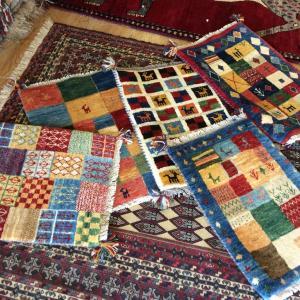 """お土産にいかが?ペルシャ絨毯より手頃で可愛い、""""ギャッベ""""の魅力"""