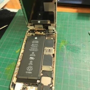 iphoneのバッテラ交換 そしてTDMチタンネジ化(一部)