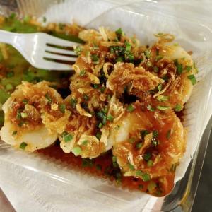 プーケット食巡り⑥日曜夜市で爆食。伝統料理の数々を食べまくってみたら驚いた!