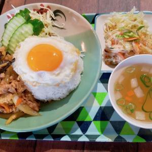 【京都のタイ料理屋】烏丸仏光寺近「カオニャオヒルズ」で食べた『ラートカーオセット』
