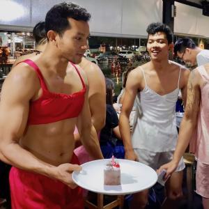 GWにおススメ!? 筋肉ムキムキのお兄さん達と貝料理が楽しめる「サターニーミーホーイ」