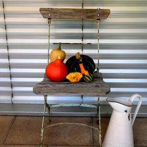 アンティークの折り畳み式ガーデンチェアー