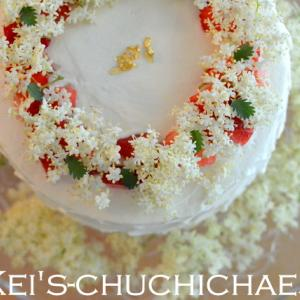 エルダーフラワーと苺のショートケーキ