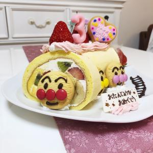 【簡単に作れる♡アンパンマンの誕生日ケーキ】