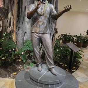 インタマの銅像 ドン ホー