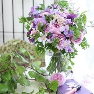 花市場に春のお花少しずつ入荷!