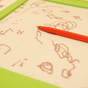赤ちゃんがなにを描いたのかわかる方法