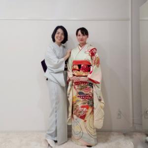 京都・着付けレッスン│成人式に振袖を自分で着るために頑張ってくれてます♪