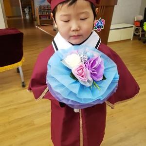 韓国の幼稚園での卒業式