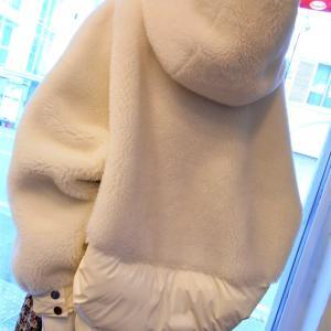 冬には白いジャケット・・・・・☆