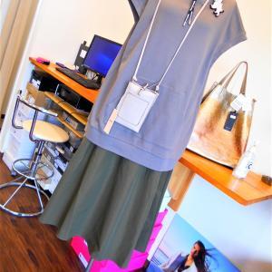 フード付きジレ&スカート・・・・☆