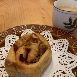 【まもなく開催】アップルシナモンロール♪ りんごの季節の美味しいやつ〜♪