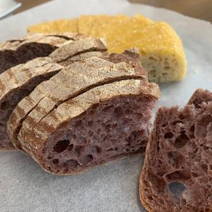 【雑穀粉なら、使いやすい♪】黒米は、粒より、粉が好き♪黒米粉のカンパーニュ♪