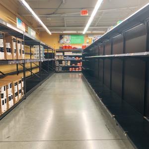 1時間後に閉店のWalmart★