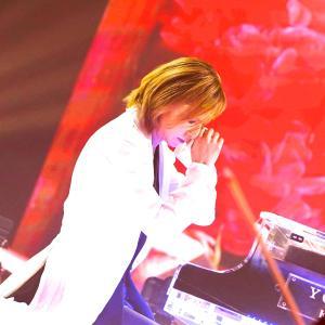YOSHIKI クリスタルピアノ インタビュー記事