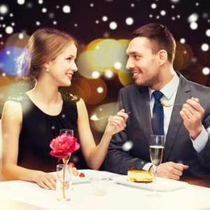 【婚約指輪】デザイン・相場・渡し方は?彼女が喜ぶ、失敗しないプロポーズリングはモデル愛用!【ゼクシィ】話題のリングで!